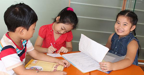 Đề kiểm tra học kì 1 lớp 2 môn Toán, Tiếng Việt trường tiểu học Toàn Thắng năm 2013 - 2014 đề thi học kì 1 môn toán, tiếng việt lớp 2