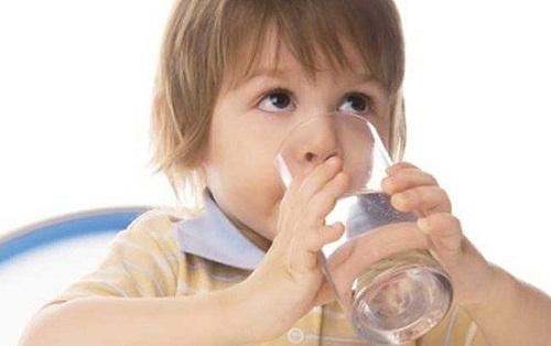 Tuyệt chiêu chữa ho, sổ mũi hiệu quả cho trẻ vào mùa đông
